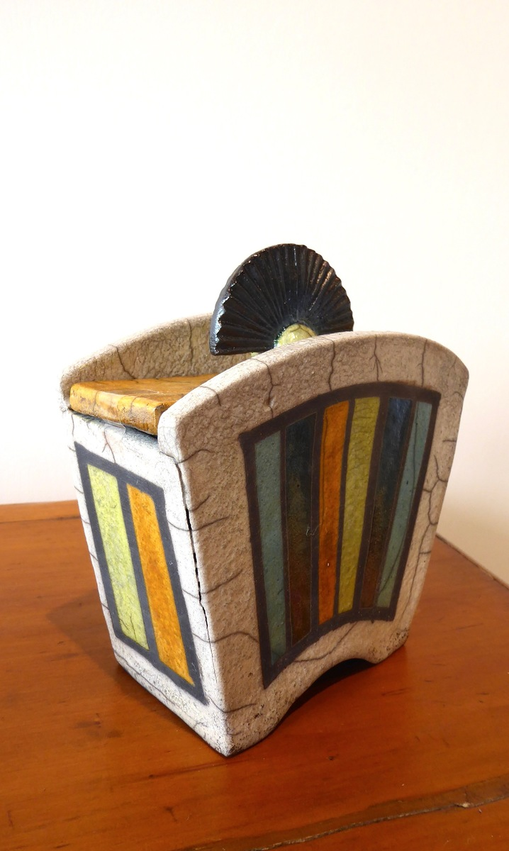 Lidded Deco pot