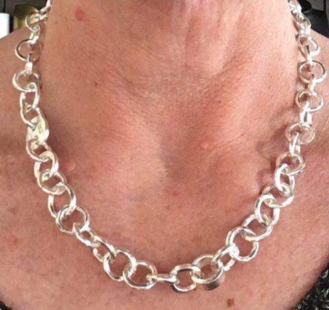 C L Y D E chain link