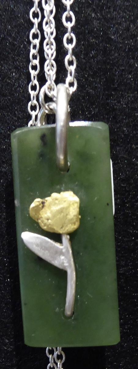 pendant - pounamu and gold/silver flower