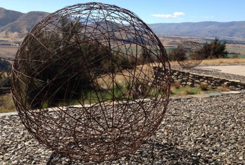 Rusty plain wire 75cm ball