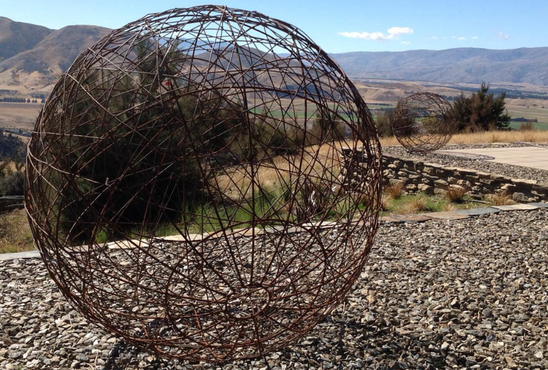 Rusty plain wire 75cm ball