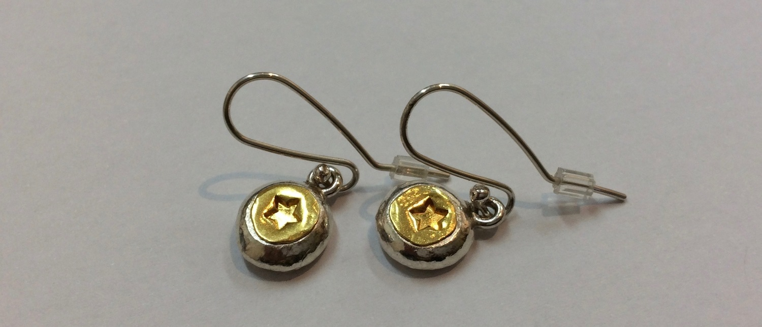 Gol star drops earrings