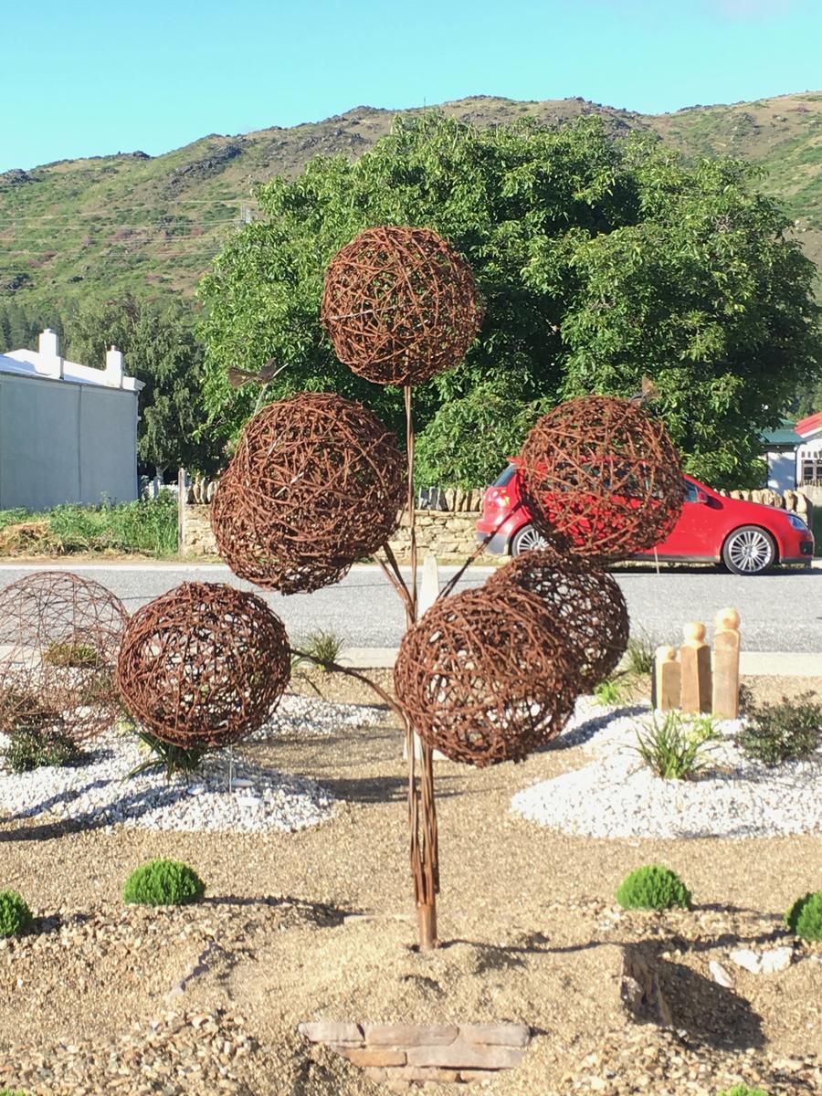 POm POm Tree - enquiries taken