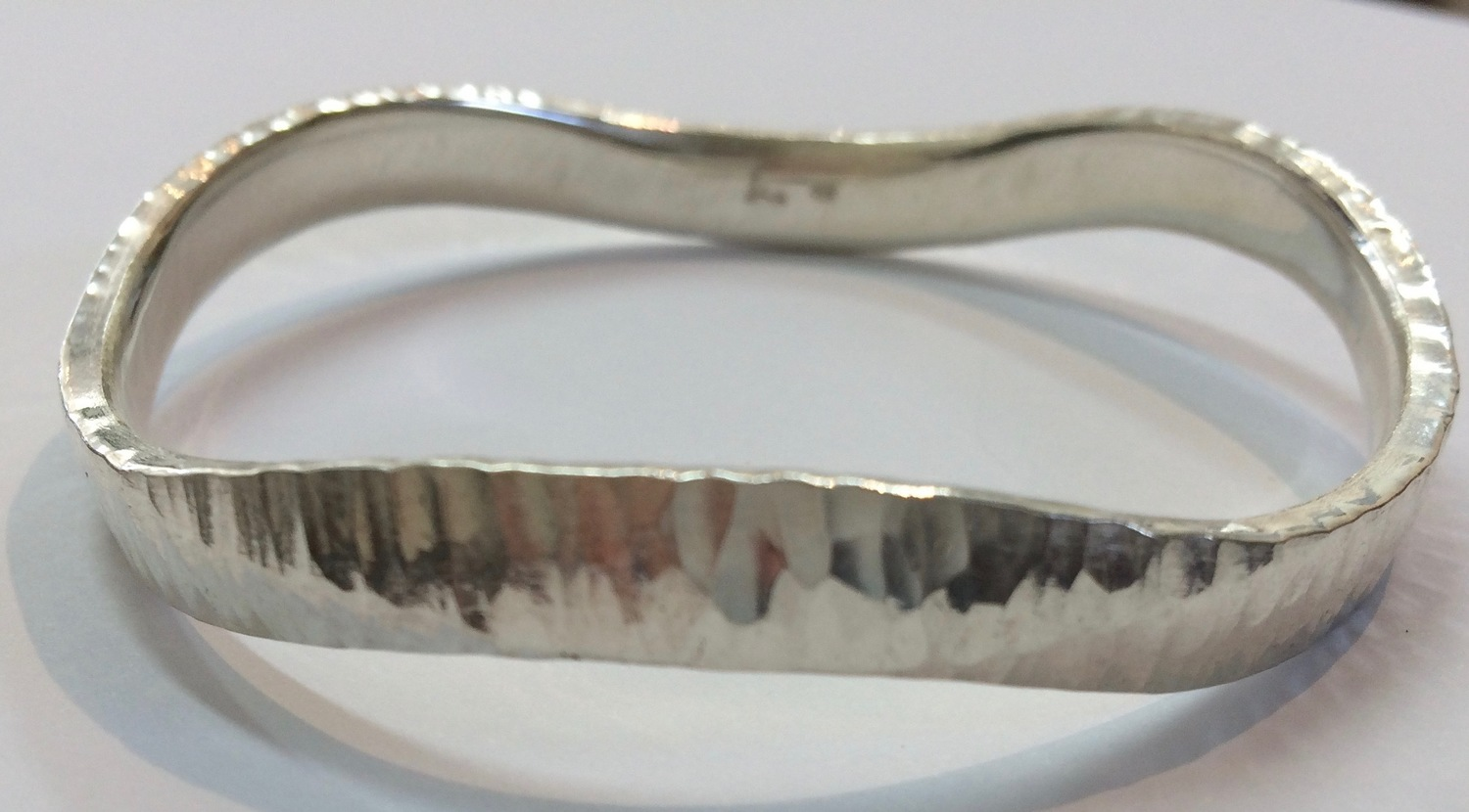FORGED WAVE BANGLE