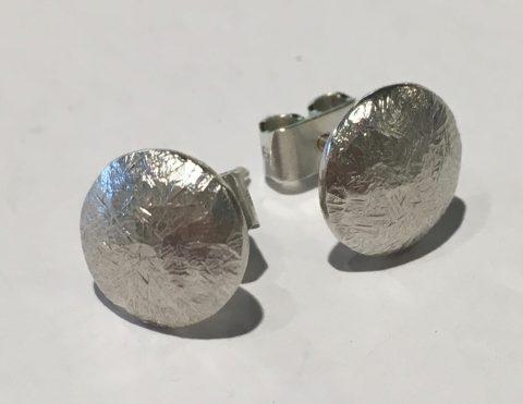 Round ear studs (E1591)