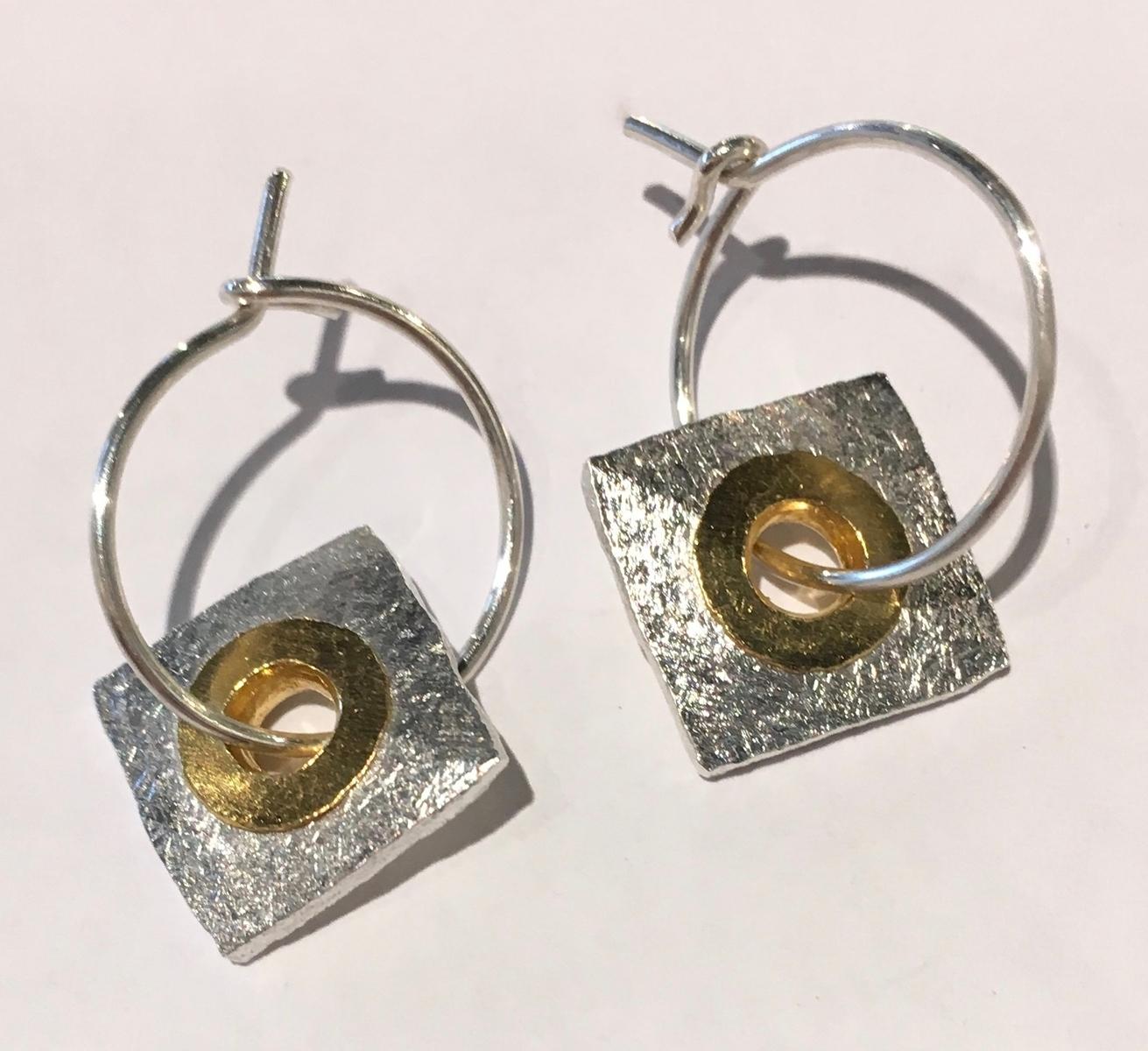Port hole earrings (E1597)