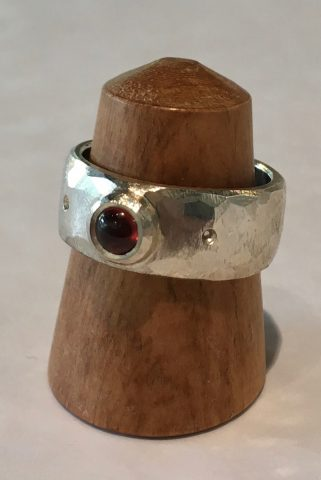 Garnet Ring (5658)