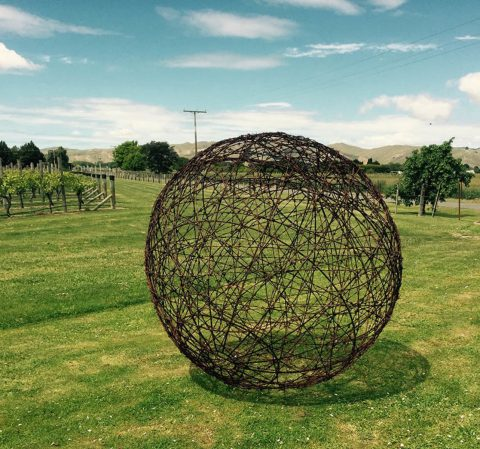 Rusty barbed wire 100cm ball