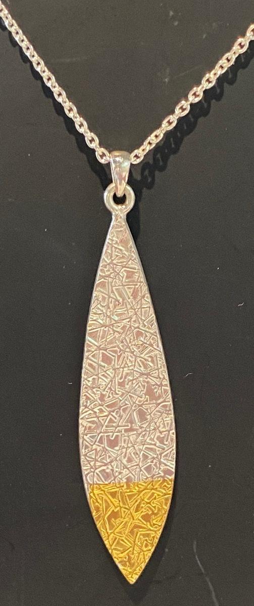 Leaf Text-ure pendant