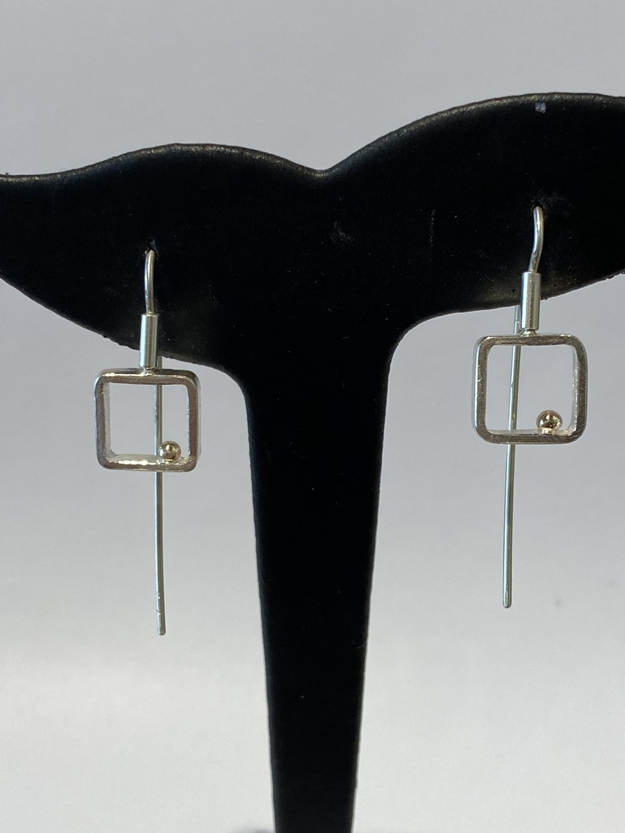 Square frame with gold ball earrings (large) - GOLD BALL SERIES