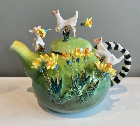Teapot - Spring Lambs and Daffodils