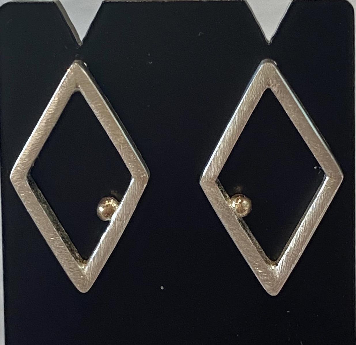 Diamond shape earrings with gold ball
