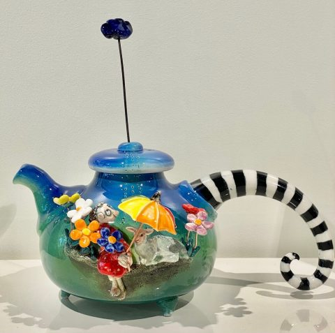 Teapot - with rain cloud