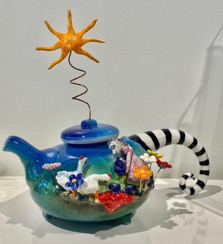 Teapot - with Geese and drawer