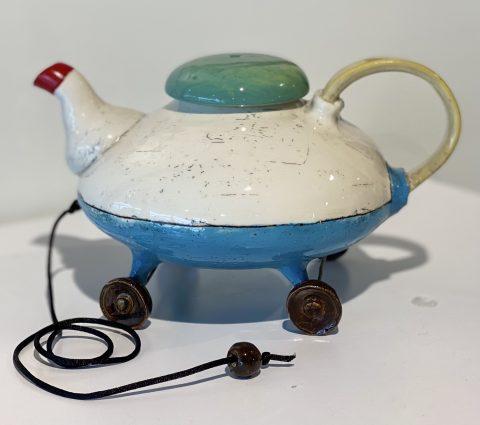 Teapot on Wheels