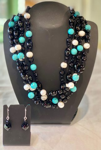 Turquoise, Onyx and freshwater pearl necklace (includes earrings) 25760