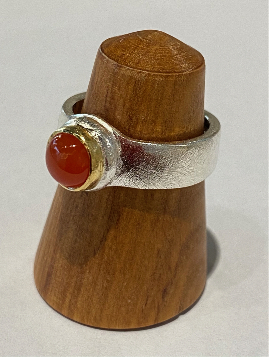 Sterling silver ring with Carnelian (22ct gold bezel)