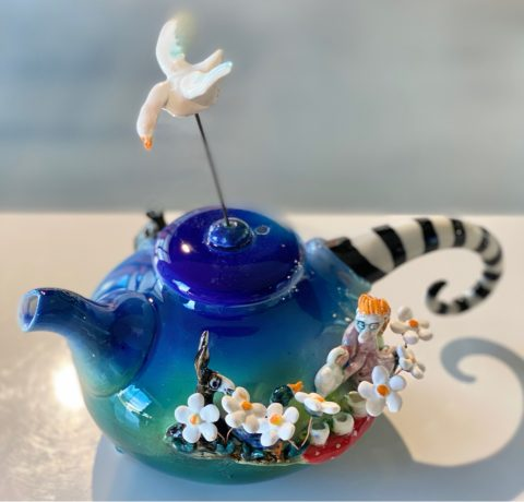 Teapot - Girl having picnic with hare, duck, cat and goose