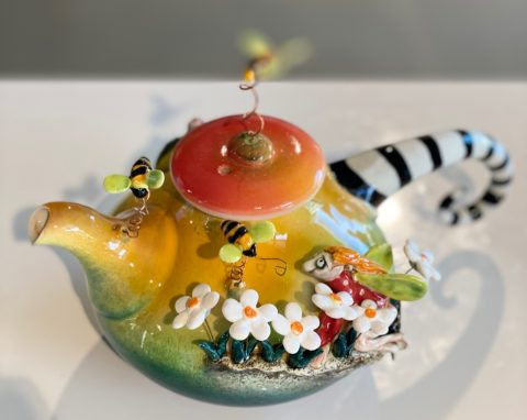 Teapot - Fairy with bees and snail